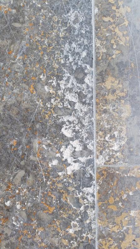 Kirchheimer Muschelkalk Goldbank Naturstein Kalkstein schleifen polieren kristallisieren beschichten imprägnieren Planschliff Sanierung sanieren Natursteinsanierung Marmorsanierung Marmor Nürnberg